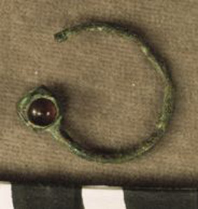 Thumbnail of Earring (1924.02.0047A)