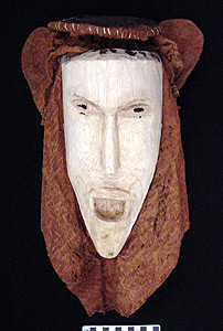 Thumbnail of Peleacon Bark Cloth Mask (2000.01.0251)
