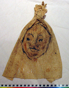 Thumbnail of Peleacon Bark Cloth Mask (2000.01.0978)