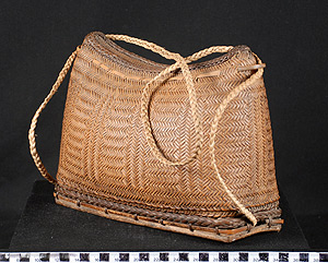 Thumbnail of Kupit, Envelope-Style Purse for Food or Luggage (2007.15.0003)