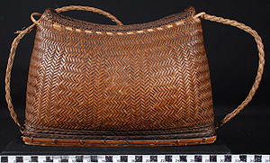Thumbnail of Shoulder Purse (2007.15.0010)