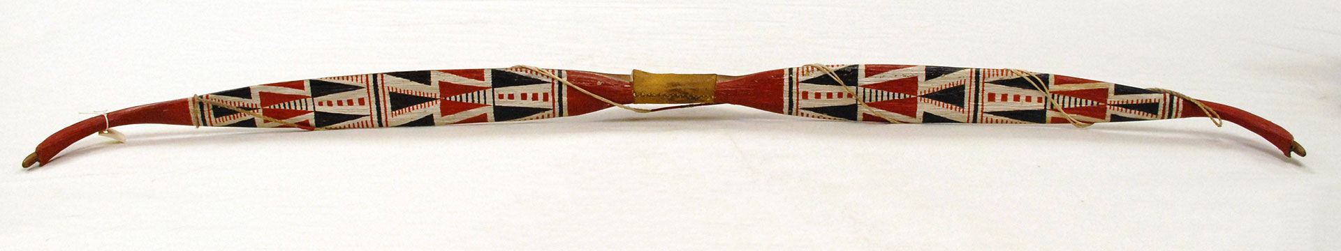 bow with triangle detail