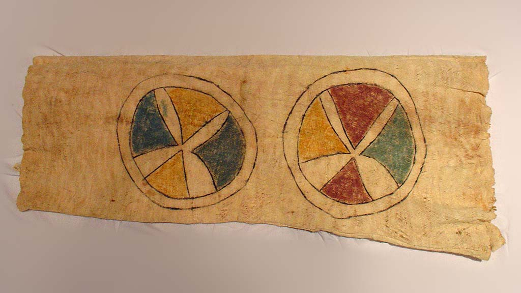 retangular bark cloth with two multicolored circles