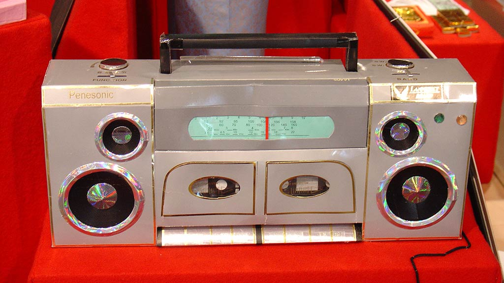 radio made of paper