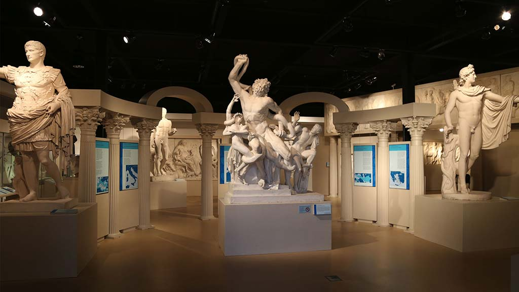 greek and roman sculptures