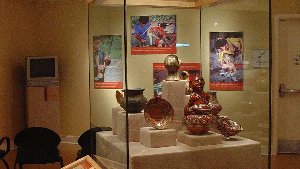 ceramic artifacts: pots, plate and figures